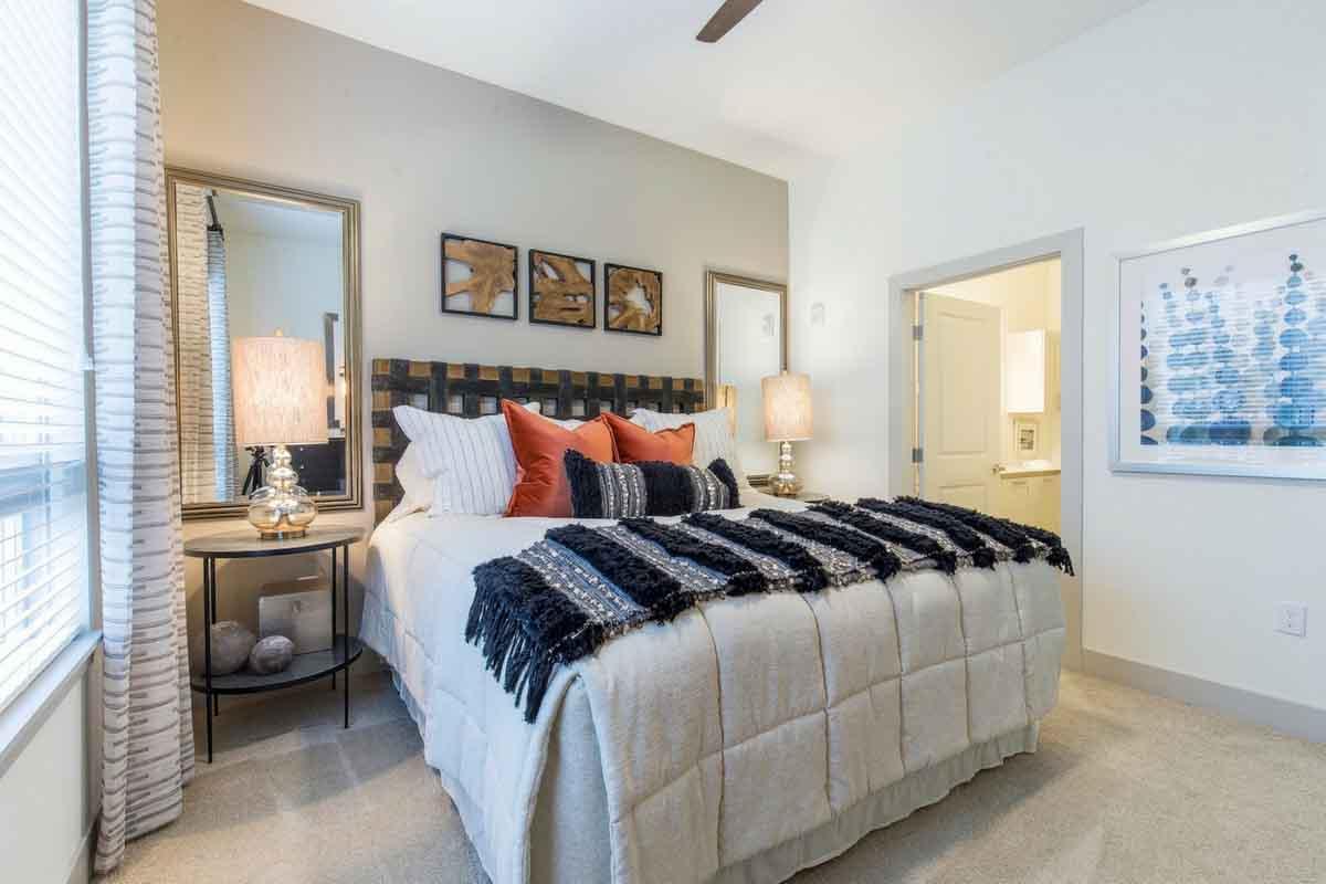 $1,040/mo Single Room in Beautiful Los Angeles Luxury Apartment