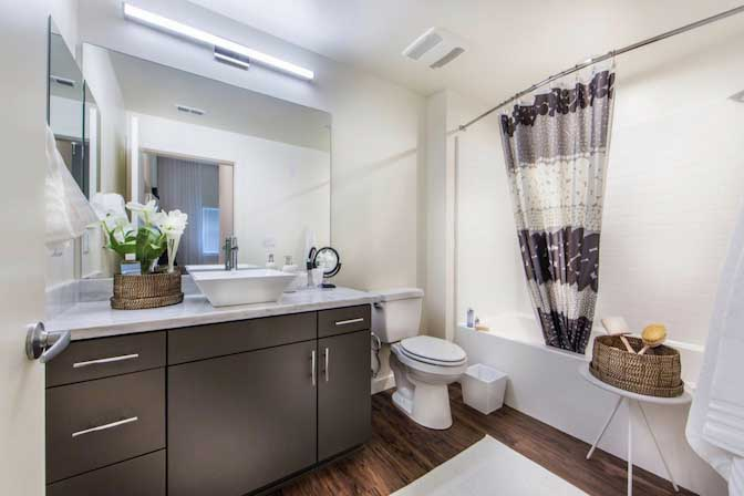 Live at $700/mo Single Room in Beautiful Los Angeles Luxury Apartment